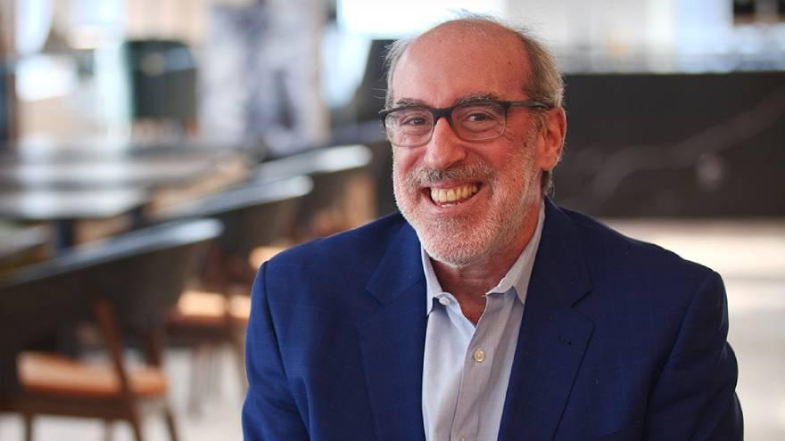 Jeff Schwartz considera que el creciente uso de IA ayudará a los humanos a ser mejores jefes