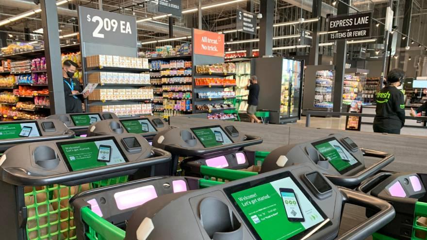 Varios analistas dicen que es probable que las tiendas Amazon Fresh sean baratas de lanzar e incluso más baratas de operar