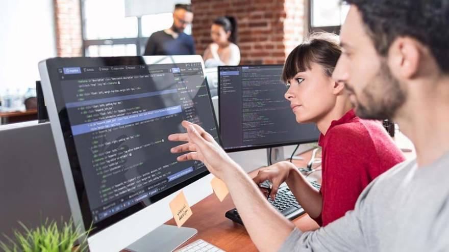 Estudiar programación permite acceder a buenos sueldos en el país o trabajar freelance para el exterior