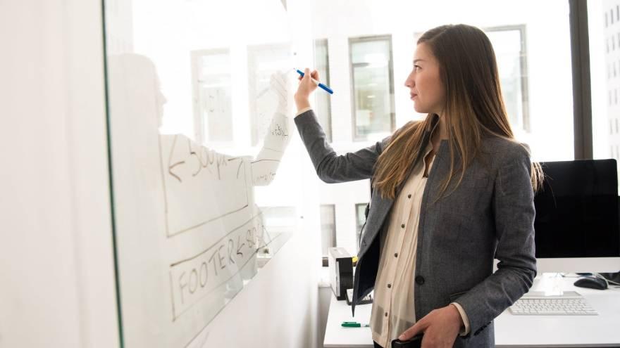 egún las Naciones Unidas (ONU), las mujeres tienen una probabilidad menor de convertirse en emprendedoras